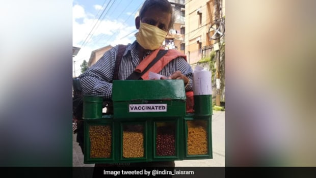 Shillong Food Vendor Proudly Displays 'Vaccinated' Tag, Twitter Is Impressed