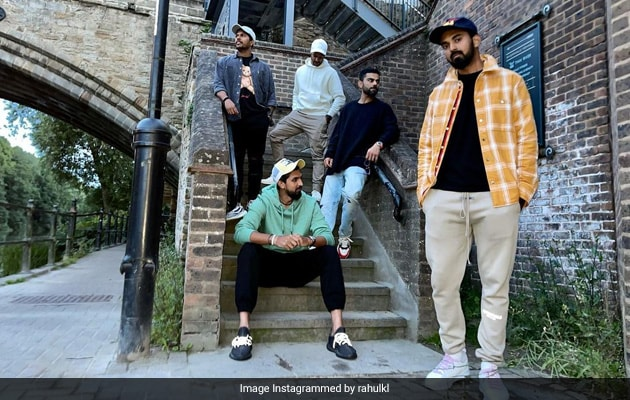 Kohli, Rahul Strike A Pose In This Groovy Pic. Guess The Photographer?