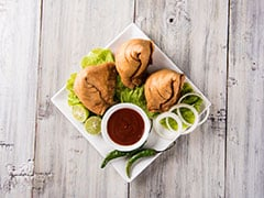 Monsoon Snacks: The Best Irresistible Bites To Make Your Rainy Days Special