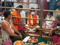 New Cabinet Preps? Jyotiraditya Scindia's Temple Stop Before Delhi Flight