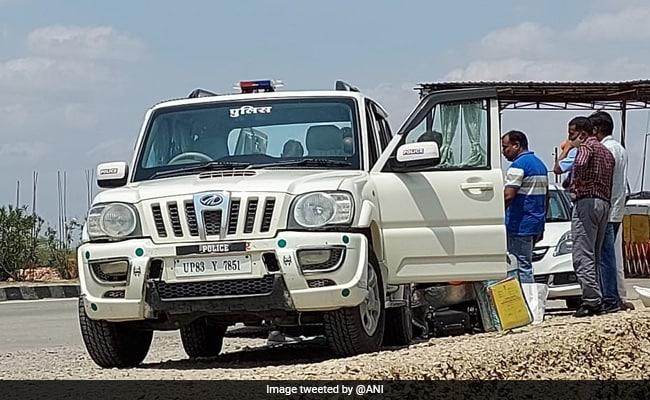 UP में तैनात IRS अफसर की गाड़ी से रिश्वत के 16 लाख रुपये बरामद! ACB ने राजस्थान में की गिरफ्तारी