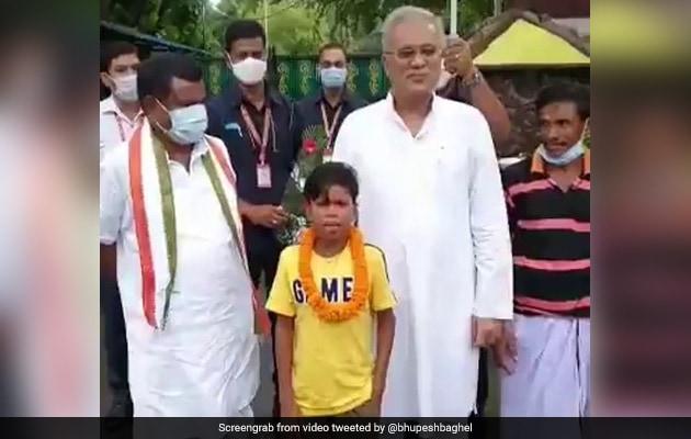 Chhattisgarh Chief Minister Meets Boy Who Went Viral For Singing 'Bachpan Ka Pyaar'