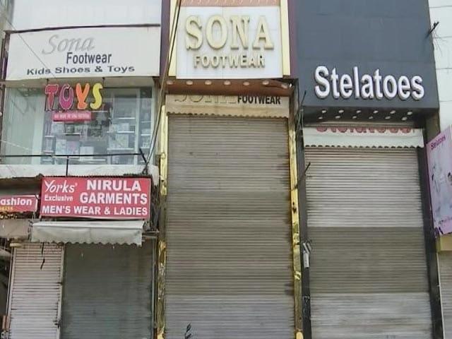 Video : Delhi's Famous Lajpat Nagar Market Shut For Covid Rule Violation