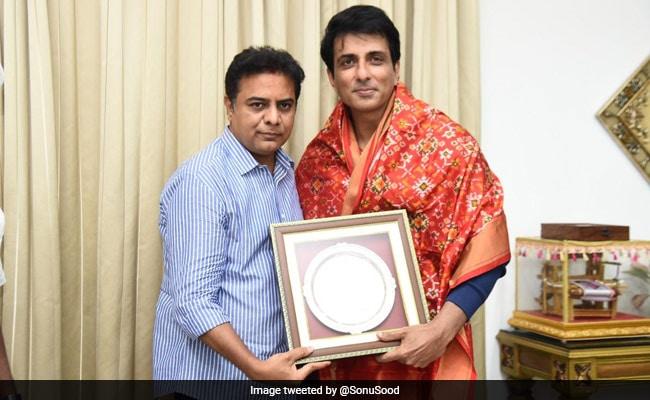 Sonu Sood Was Treated To The 'World's Best Veg Biryani' In Hyderabad