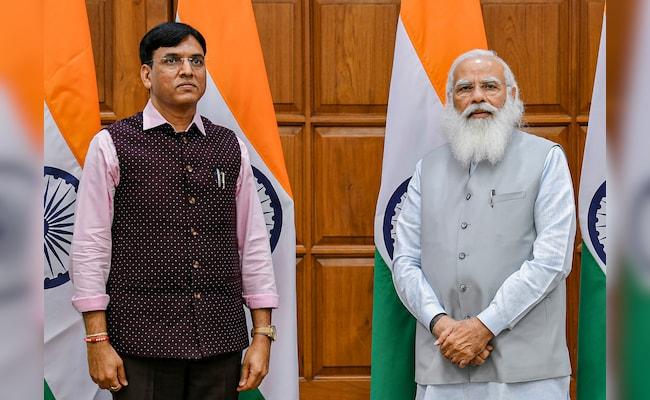 Mansukh Mandaviya Takes Over Health Ministry Amid Covid Fight