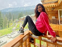 """""""The World Is Your Oyster"""": Daisy Shah's Postcard From Kashmir"""