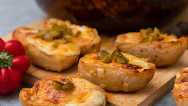 Baked Bharwa Aloo Snack: Tasty Baked Stuffed Aloo Perfect Snack For Your Unexpected Guest