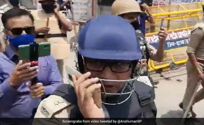 Watch: Slapped By 'BJP People', UP Police Officer Pleads To Seniors