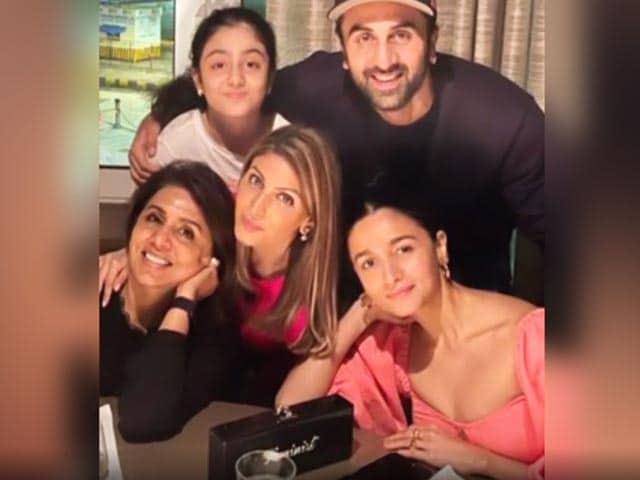 Video : Inside Neetu Kapoor's Birthday Dinner With Ranbir And Riddhima