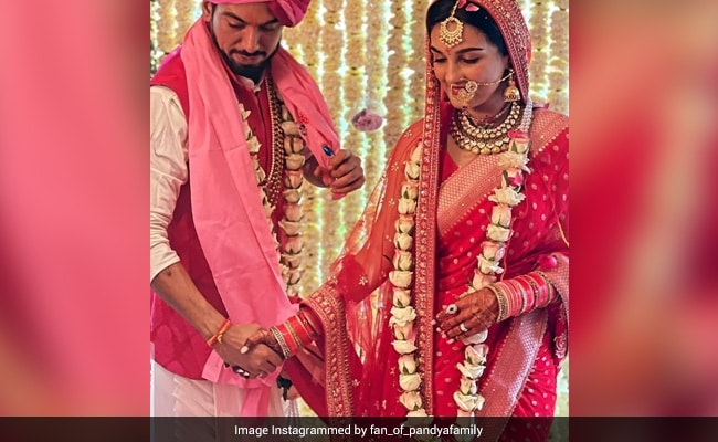 Trending: Pics From Pandya Store Actress Shiny Doshi And Lavesh Khairajani's Wedding