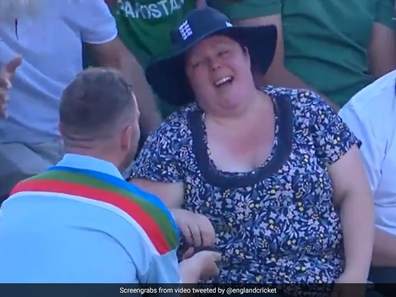 Cricket Fan Proposes To Girlfriend During 3rd England-Pakistan T20I. Watch