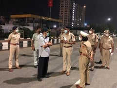 Delhi Police Chief Reviews Security Arrangements At Red Fort, Ghazipur Border