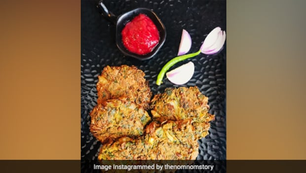Bhaaji Vada: How To Make This North-Indian Street Favourite (Recipe Inside)