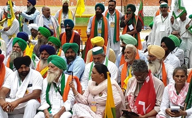 Farmers Protest Live Updates: Farmers Reach Jantar Mantar Amid Heavy Security Arrangements