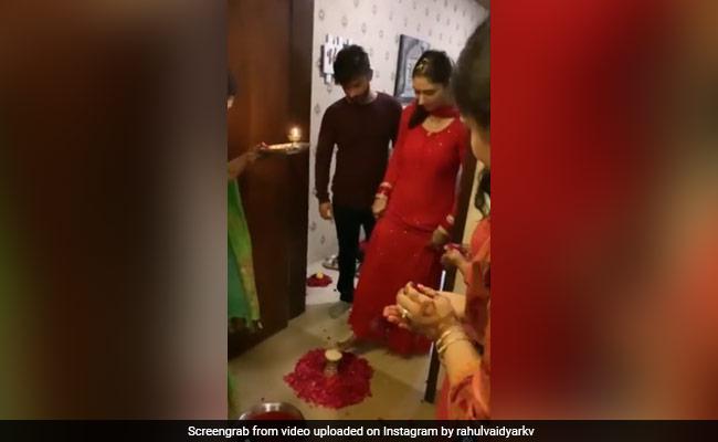 How Newlywed Rahul Vaidya's Family Welcomed Him And Wife Disha Parmar Home