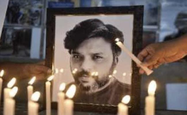 उत्तर प्रदेश : वाराणसी में प्रेस फोटोग्राफरों ने दानिश सिद्दीकी को श्रद्धांजलि दी