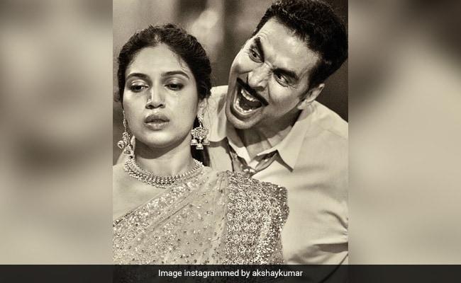 Akshay Kumar Hilariously Explains Birthday Girl Bhumi Pednekar's Expression In This Pic