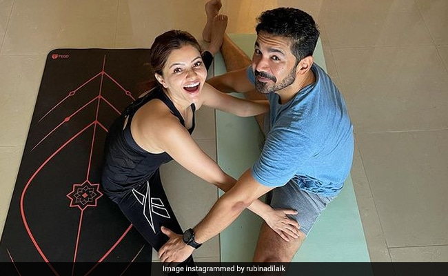 'Stretch It Out' Like Power Couple Rubina Dilaik And Abhinav Shukla. See Pics