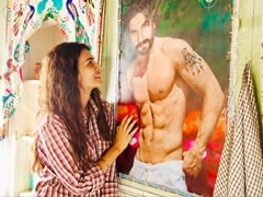 Kriti Sanon's Poster-Worthy Wish For Birthday Boy Ranveer Singh Has A <i>Mimi</i> Connection