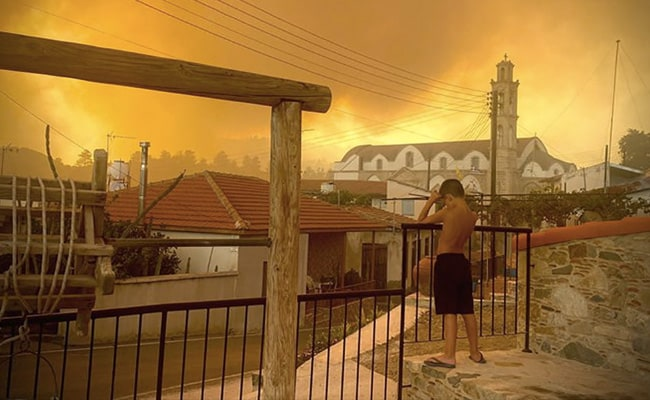 EU Deploys Air Assistance As Cyprus Tries To Contain 'Worst Forest Fire'