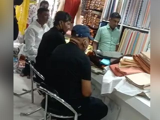 Video : Cabinet Calling? Chirag Paswan's Uncle, Shopping For Kurta, Said This