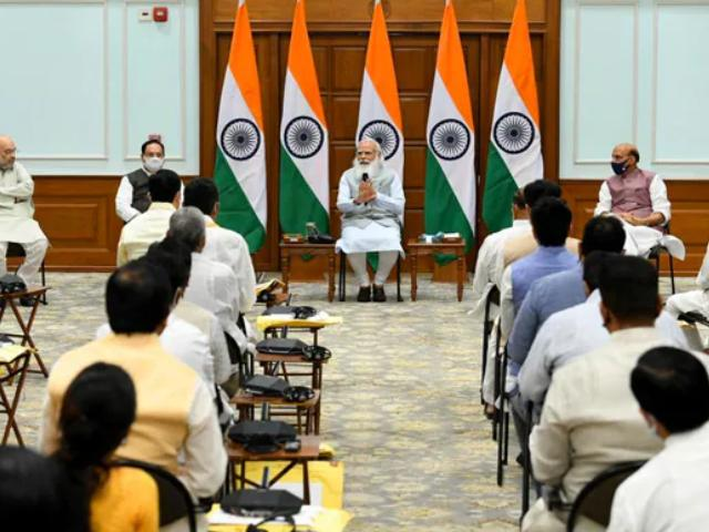 Video : PM Holds First Meeting Of New Cabinet, To Meet Other Ministers Shortly