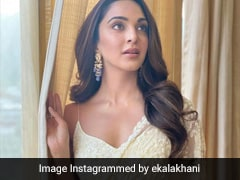 Only Kiara Advani Can Take Our Breath Away In An Ethereal Ivory <i>Saree</i>