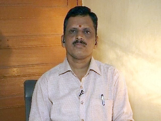 Video : COVID-19 Warriors: Meet The Man Behind A Free Ambulance Service In Mumbai That Saved Many Lives