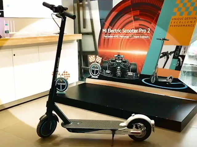 Video : Mi Scooter Pro 2 Mercedes-AMG Petronas F1 Edition: First Impressions