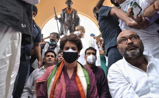 Priyanka Gandhi Vadra Begins 2-Day UP Visit With Silent Protest