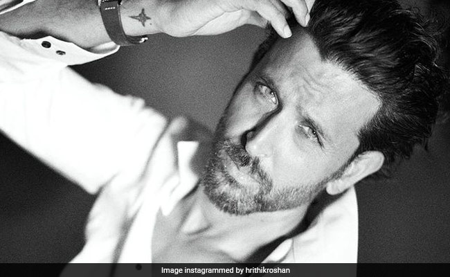 'Untouchable': Tiger Shroff's Comment Sums Up Hrithik Roshan's Moonwalk Video