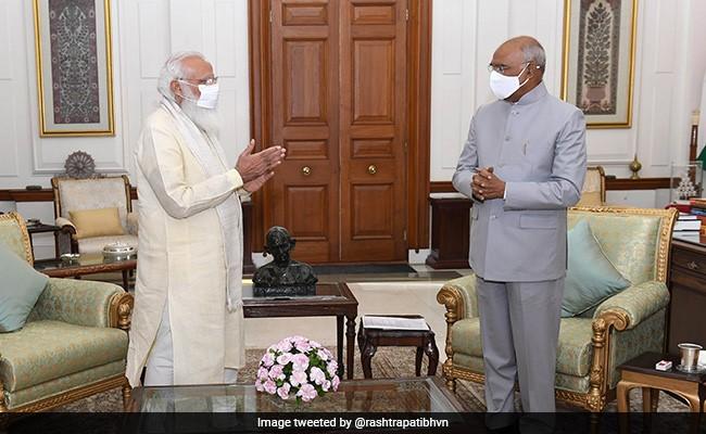 PM Modi Meets President Ram Nath Kovind At Rashtrapati Bhavan