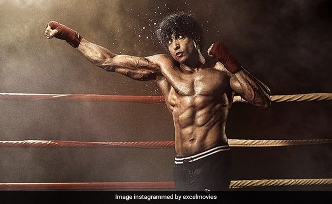 Toofaan Review: Despite Farhan Akhtar's Credible Performance, The Film's Bigger Punches Are All Below The Belt