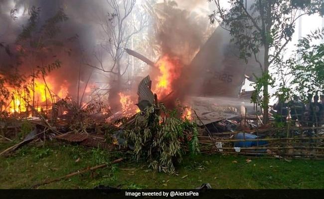 Philippines Retrieves Crashed Military Plane's Black Boxes