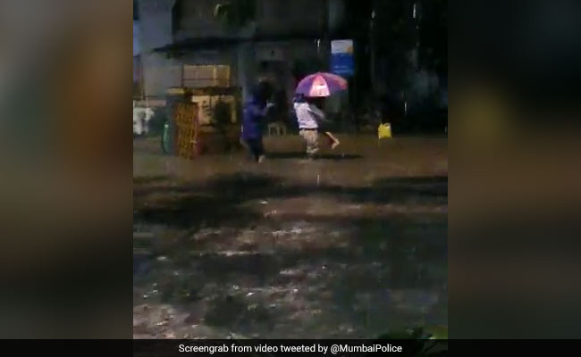 Watch: Mumbai Cop Helps Father-Daughter To Safety Amid Heavy Rain