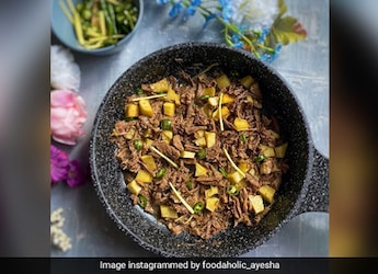 Mutton Resha Gosht: A Quick Mutton Recipe For Your Next Dinner Party (Recipe Inside)