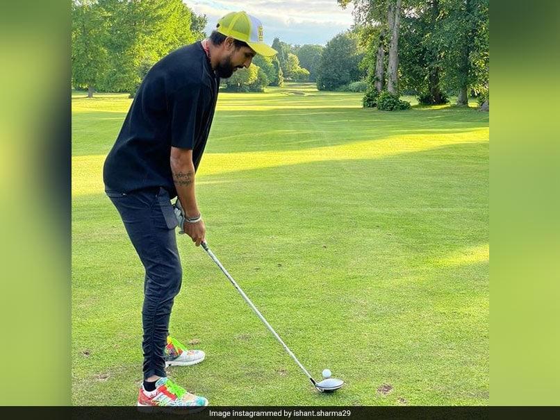 """Lambu Ji..."": Yuvraj Singh Hilariously Trolls Ishant Sharmas Golf Skills"