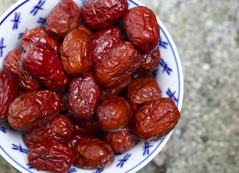 Celebrity Nutritionist Rujuta Diwekar Recommends Dates In Monsoon, Here's Why