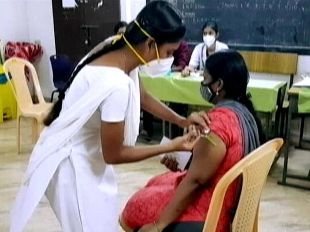 """Video : Tamil Nadu Blames Private Hospitals For """"Slow"""" Vaccination"""