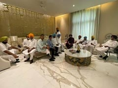 """""""Why Should He Apologise?"""" At Navjot Sidhu's Home, A Show Of Strength"""