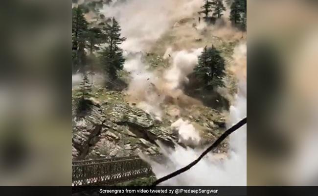 Video: Himachal Bridge Hit By Boulders Rolling Down Hill, 9 Tourists Dead