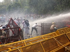 Water Cannons Used On Protesting Teachers Trying To Reach Amarinder Singh's House