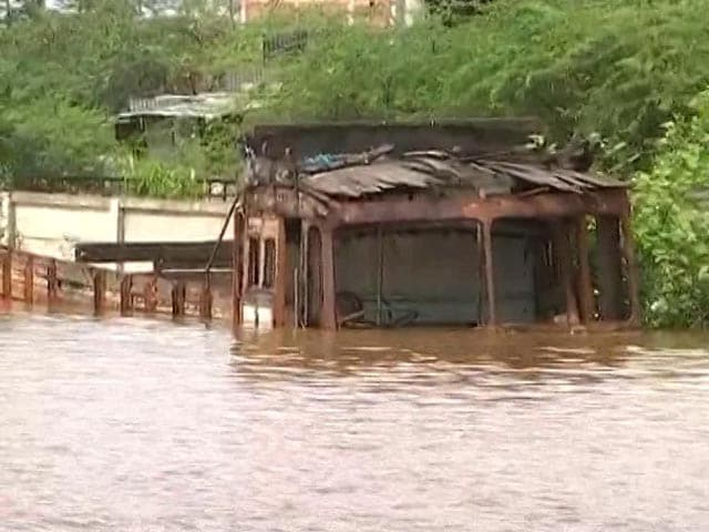 Video : 138 Dead, Several Missing In Maharashtra Rain Fury, 90,000 Moved To Safety