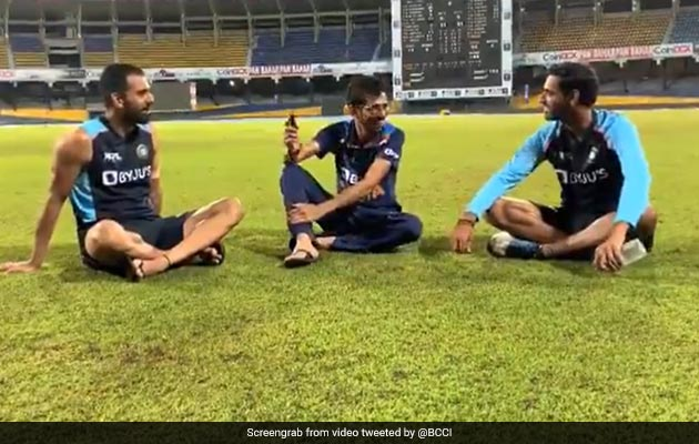 """Watch: """"Laughter Galore"""" As Bhuvneshwar, Chahar Appear On Chahal TV"""