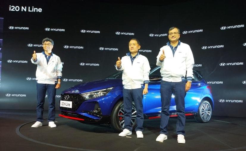 SS Kim, MD & CEO and Tarun Garg, Director (Sales & Marketing) Hyundai India with the i20 N Line