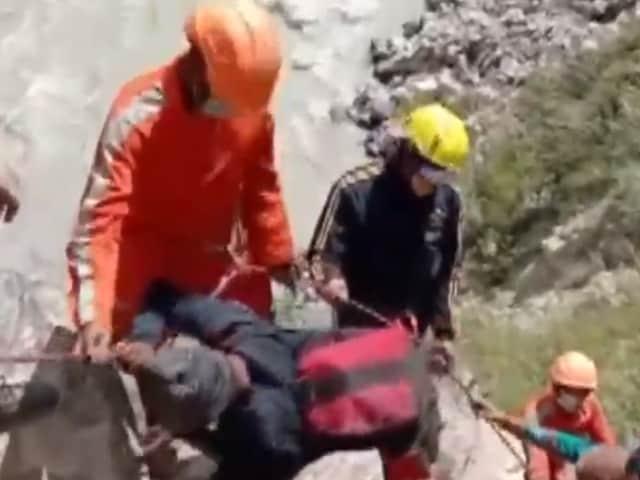 Video : Over 250 People Rescued After Landslide In Uttarakhand's Chamoli