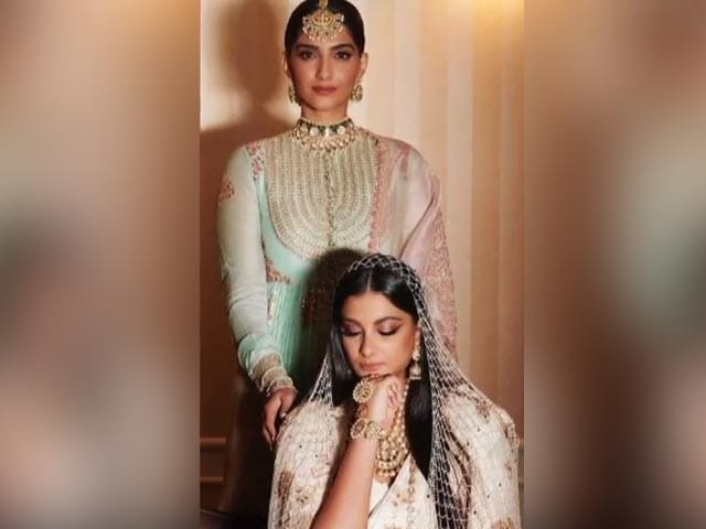Video : Sister Of The Bride Sonam Kapoor Shares Pics From Rhea's Wedding