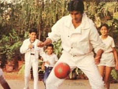 Count The Stars In This Throwback Pic Shared By Amitabh Bachchan