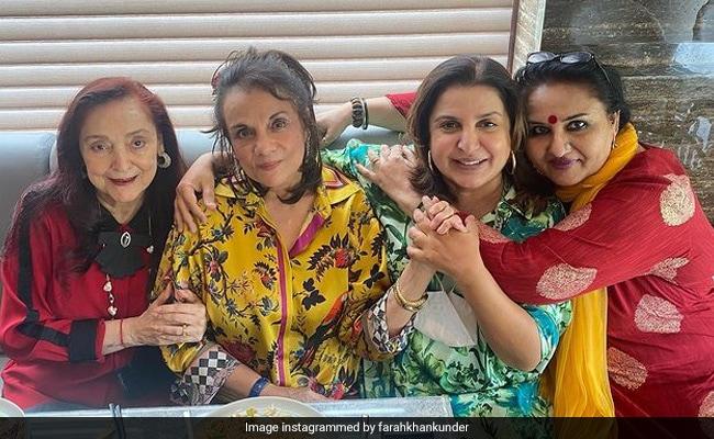 ICYMI: Farah Khan's Fan Girl Moment With 'Icons' Mumtaz, Reena Roy And Malika Randhawa