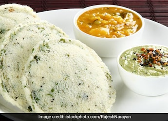 Feeling Lazy? Quickly Make Delicious Poha Idlis To Beat Your Mid-Day Hunger